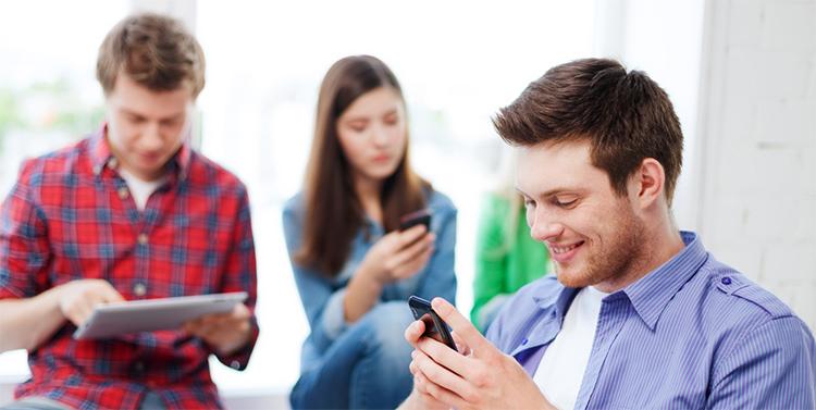 jovens-smartphones