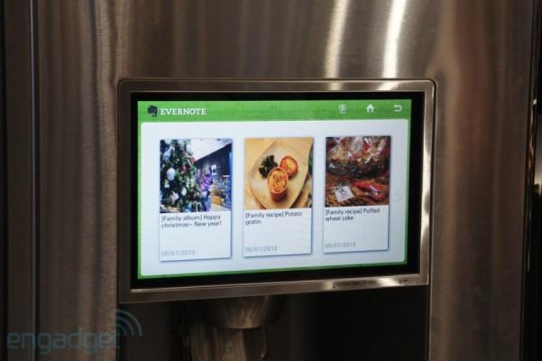 Evernote funcionando em uma geladeira.