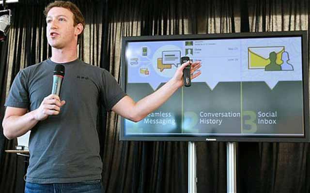 Mark Zuckerberg apresentando o novo sistema de mensagens do Facebook