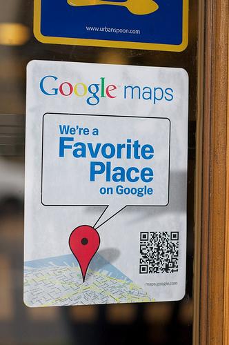 QR Code levando para a página do Google Maps da empresa.